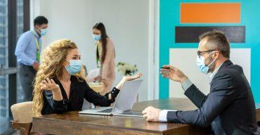 Uso de máscaras no ambiente de trabalho